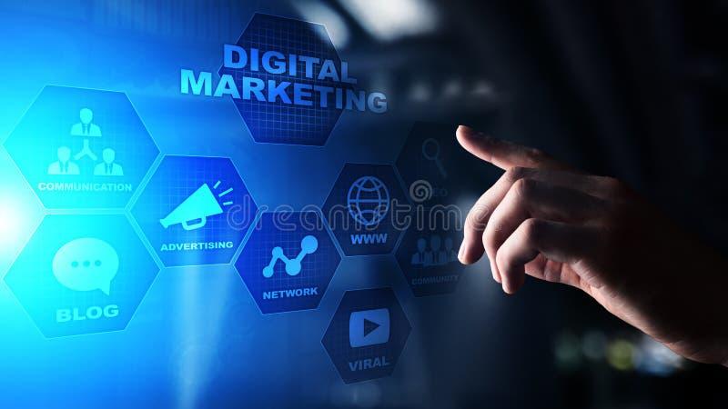 Digitale marketing die, online, SEO, SEM, SMM adverteren Zaken en Internet-concept stock foto's