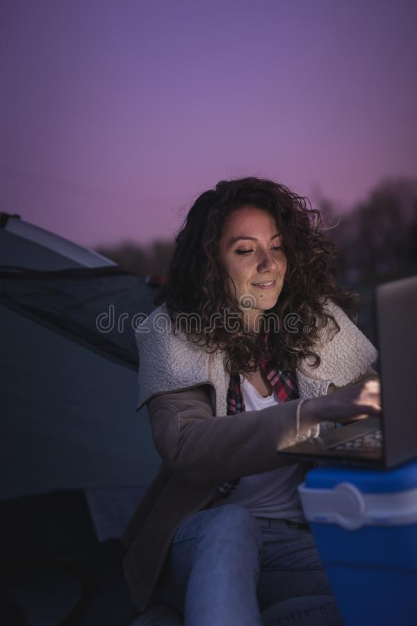 digitale nomadelevensstijl stock fotografie