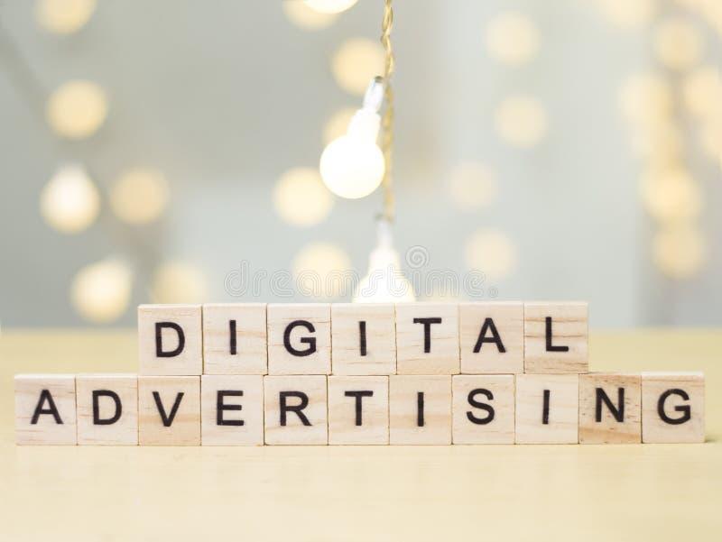 Digitale Reclame, het Motievenconcept van Bedrijfs Marketing Woordencitaten royalty-vrije stock afbeelding