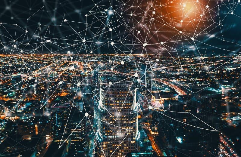 Digitale Technologie-Cirkel met Los Angeles Van de binnenstad royalty-vrije stock foto