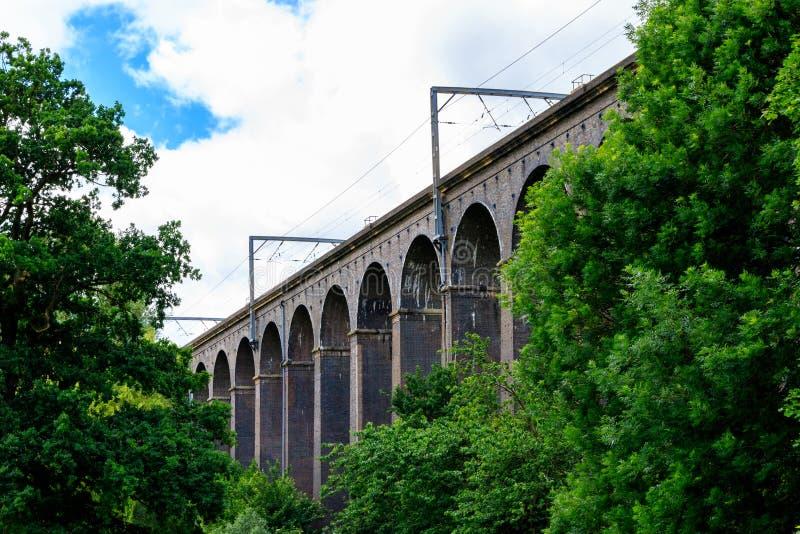 Digswell viadukt i UK royaltyfri bild