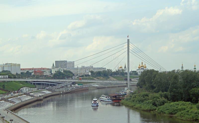 Dijk van Tyumen-rivier, Rusland stock foto's