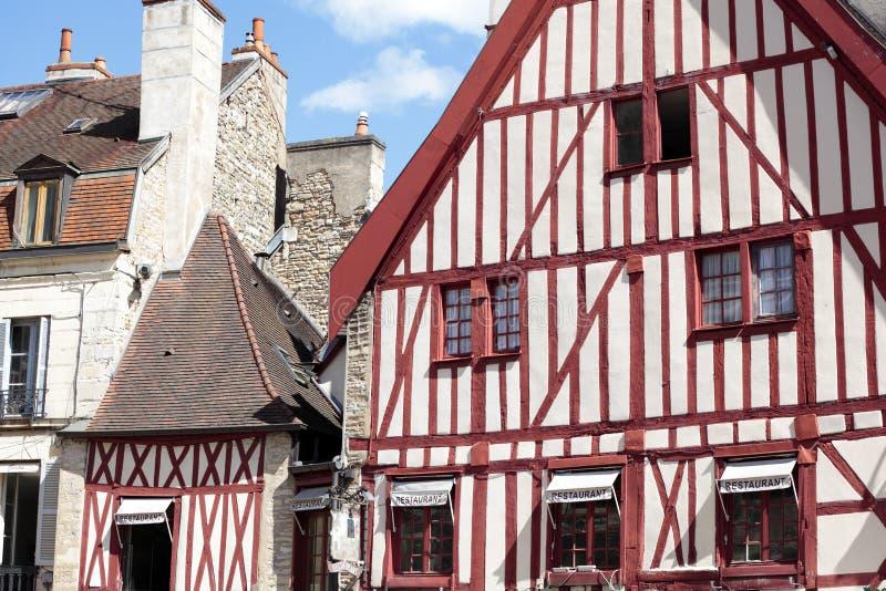 Dijon, Borgoña, edificios viejos de la plaza histórica de Francia fotos de archivo libres de regalías