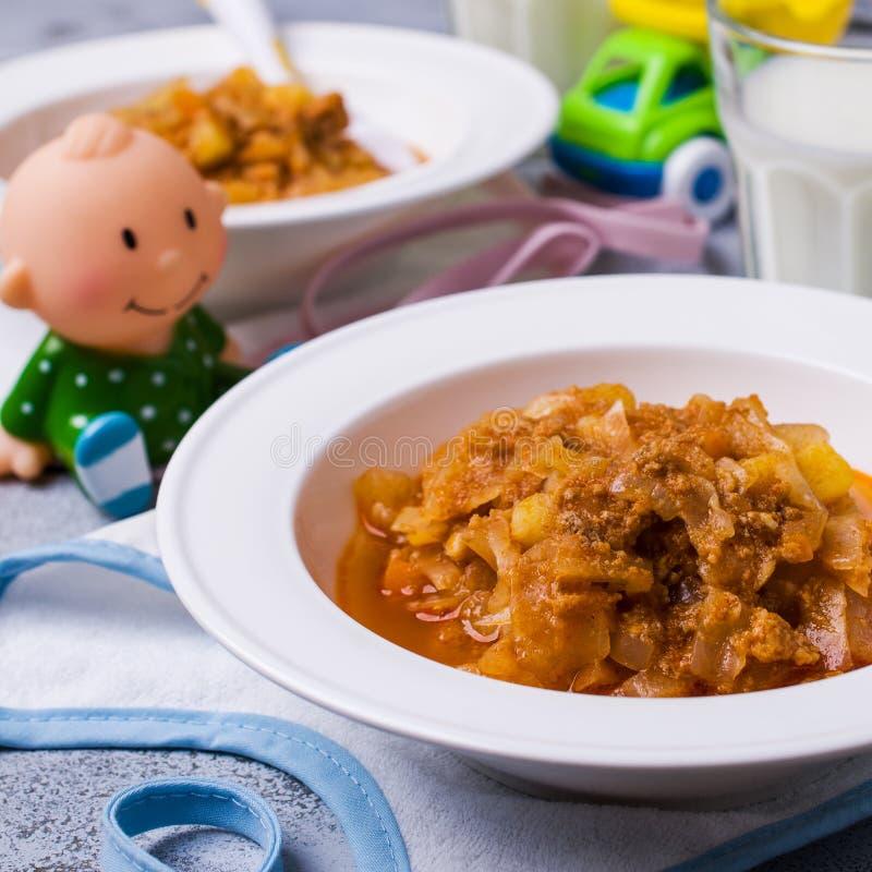 Dikke soep voor babyvoedsel stock foto