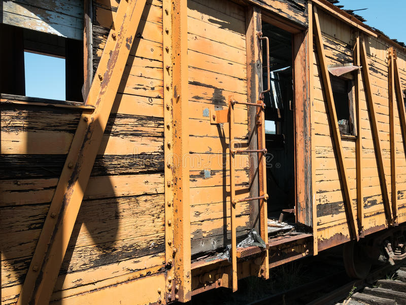 Dilapidated spoorwegauto stock afbeelding