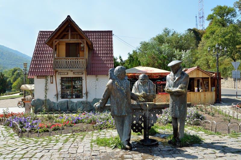 Dilijan Armenien, September, 11, 2014 Monument till hjältarna av filmen Mimino Dilijan arkivbilder