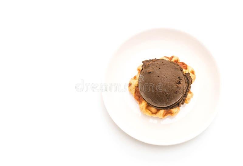 Download Dillande med chokladglass fotografering för bildbyråer. Bild av sommar - 106834013