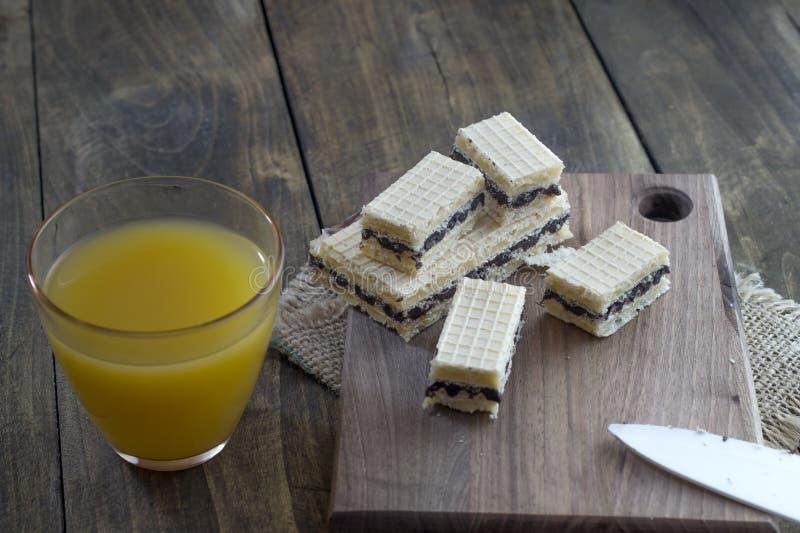 Dillandekaka med choklad royaltyfri fotografi