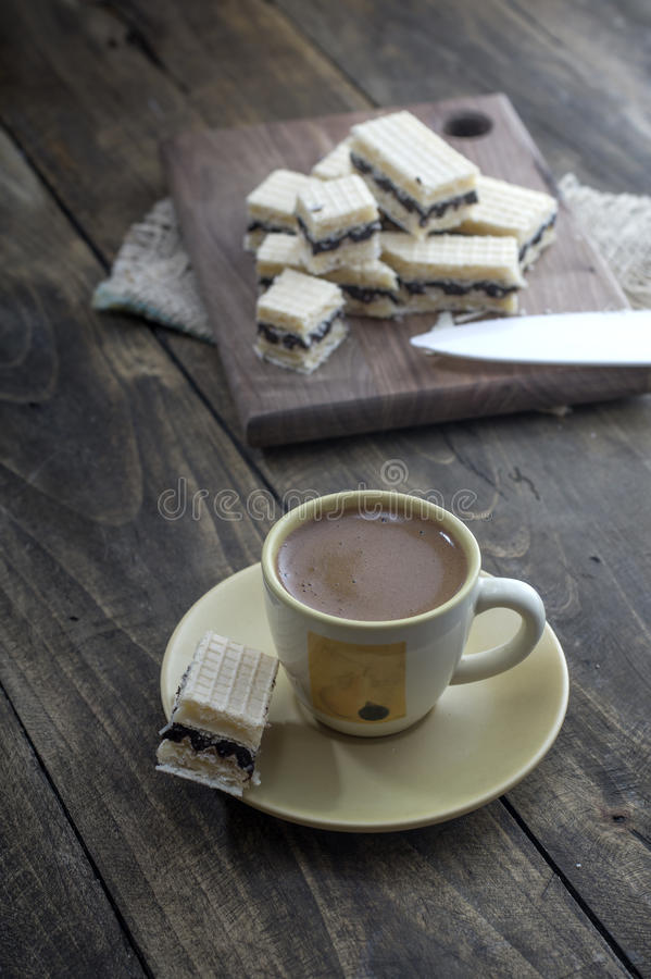 Dillandekaka med choklad fotografering för bildbyråer