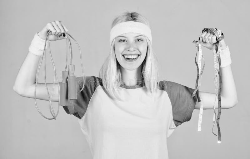 Dimagrisca Sport ed essere a dieta di allenamento Prepari il corpo dell'estate Concetto di perdita di peso Trovi il tempo all'all immagine stock libera da diritti