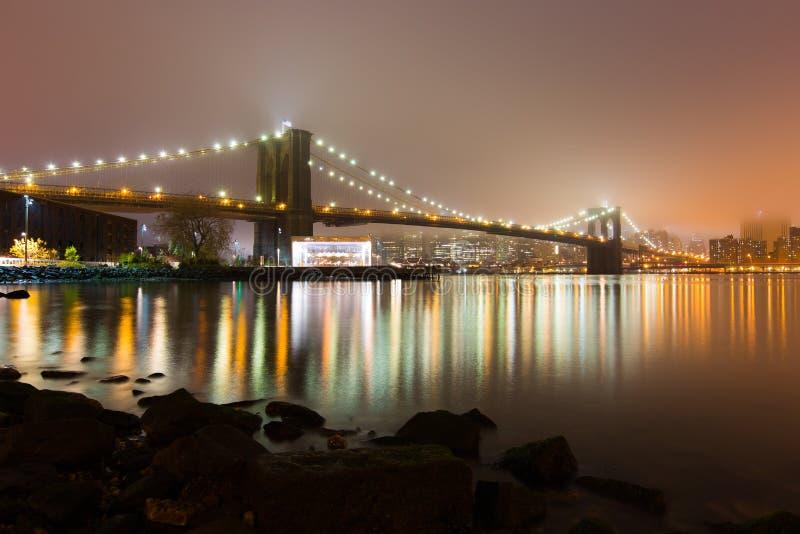 Dimmig Brooklyn bro royaltyfri fotografi