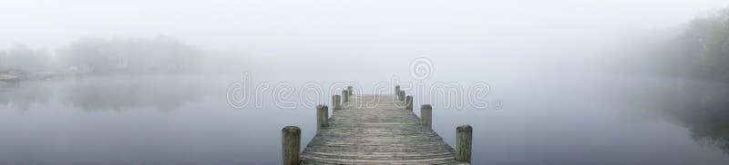 dimmig lake royaltyfria bilder