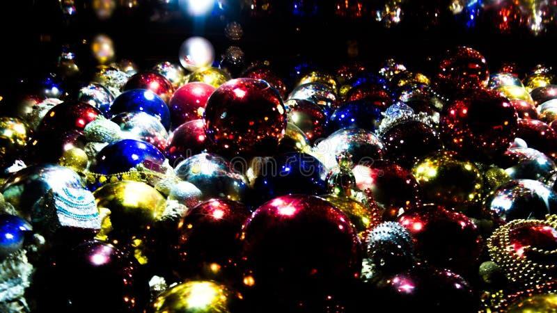 Dimmiga bollar för ferien royaltyfri bild