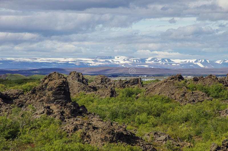 Dimmuborgir - una ciudad de la roca cerca del lago Myvatn en Icela septentrional fotos de archivo