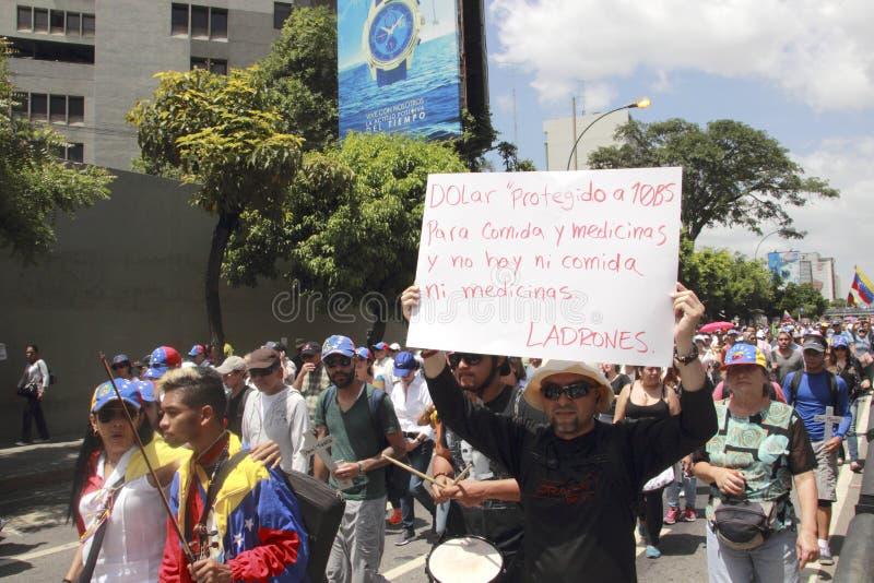 Dimostranti del Venezuela contro il governo di Nicolas Maduro immagini stock libere da diritti