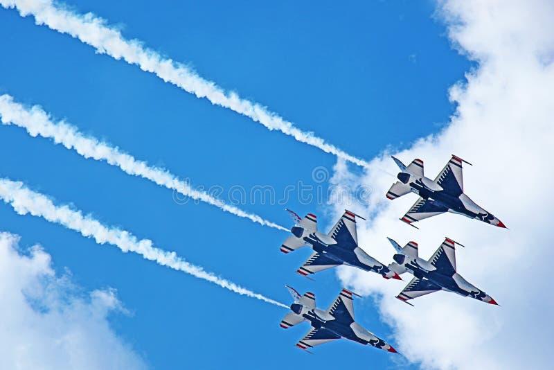Dimostrazione TN 2011 dei Thunderbirds del U.S.A.F. fotografia stock libera da diritti