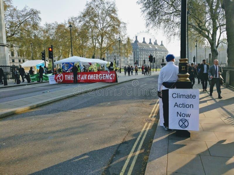 Dimostrazioni Londra Regno Unito di protesta di ribellione di estinzione fotografie stock libere da diritti