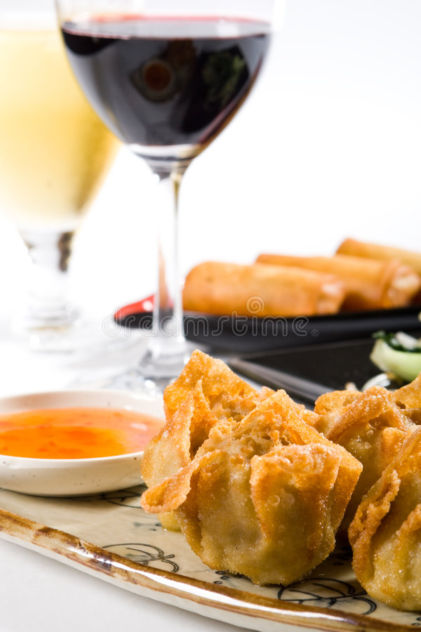 Free Dimsum And Wine Royalty Free Stock Photography - 8591607