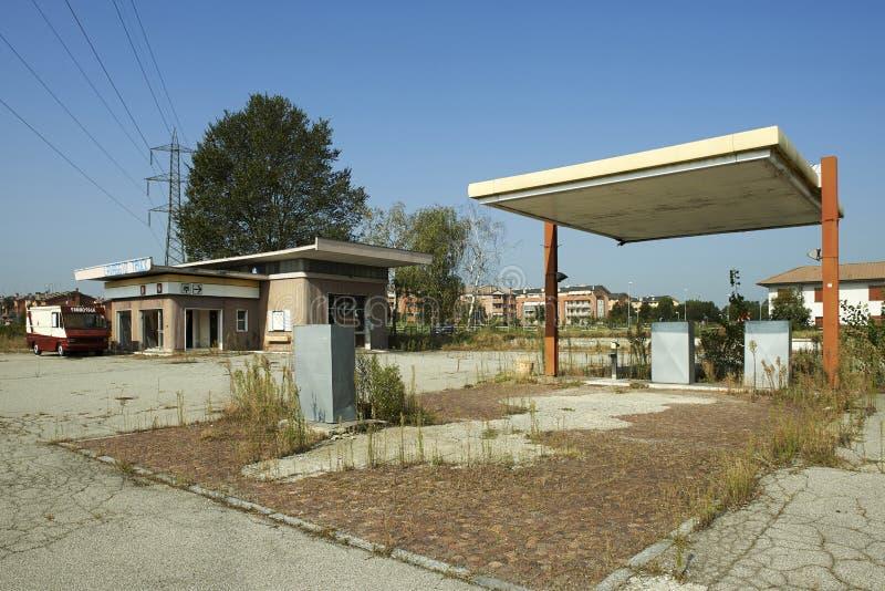 din bilmatningsbensinstation arkivbild