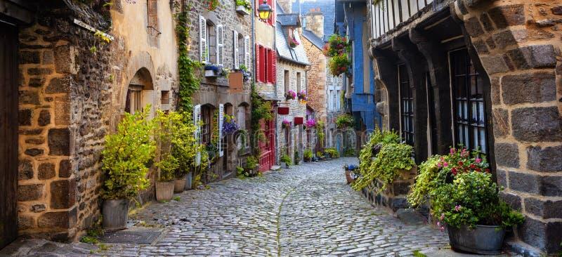 Dinan, middeleeuws stadscentrum, Bretagne, Frankrijk royalty-vrije stock afbeelding