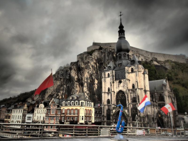 DINANT - in de Belgische provincie van Namen stock foto's