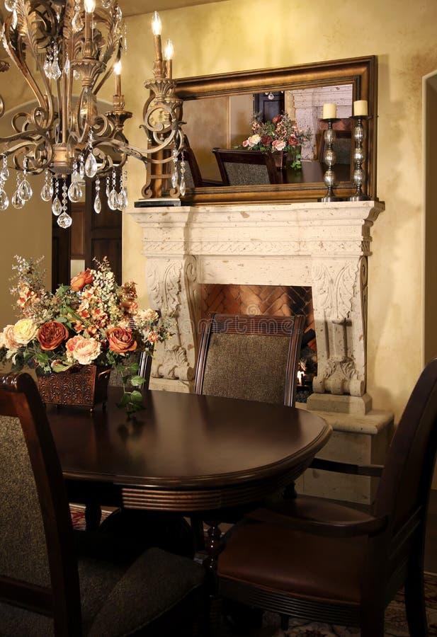 diner la pièce neuve à la maison image stock
