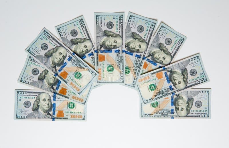 Dinero Dinero de diversos países Concepto de los gastos de desplazamiento uncropped en el fondo blanco imagen de archivo