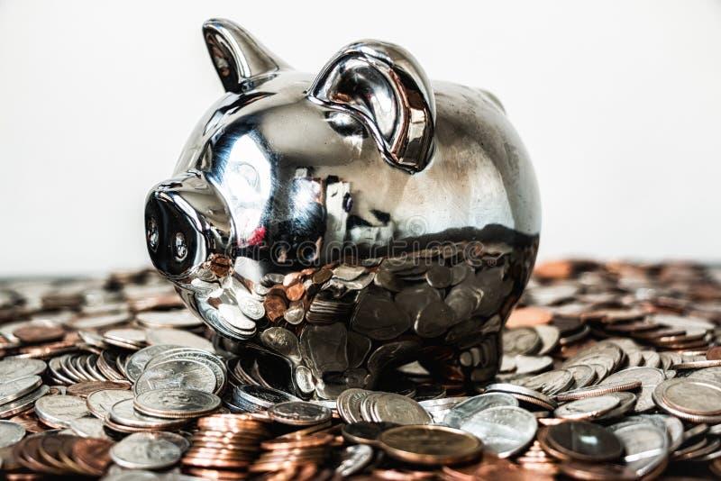 Dinero de hucha de plata fotos de archivo libres de regalías