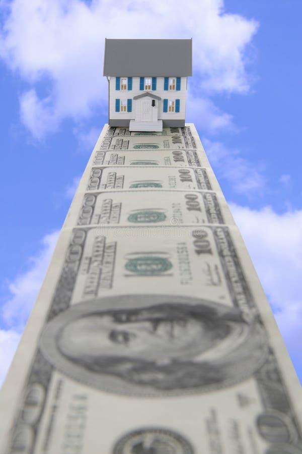 Dinero de las propiedades inmobiliarias imagen de archivo libre de regalías