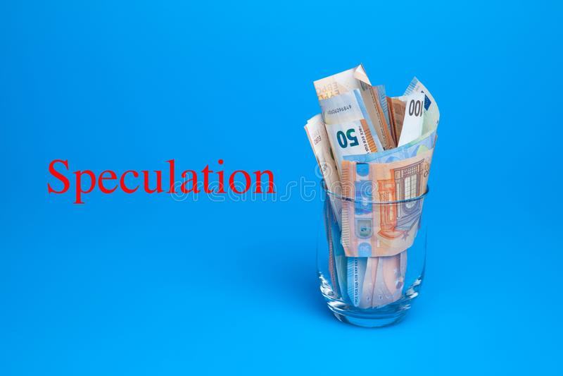 Dinero en billetes y monedas euro fotos de archivo libres de regalías