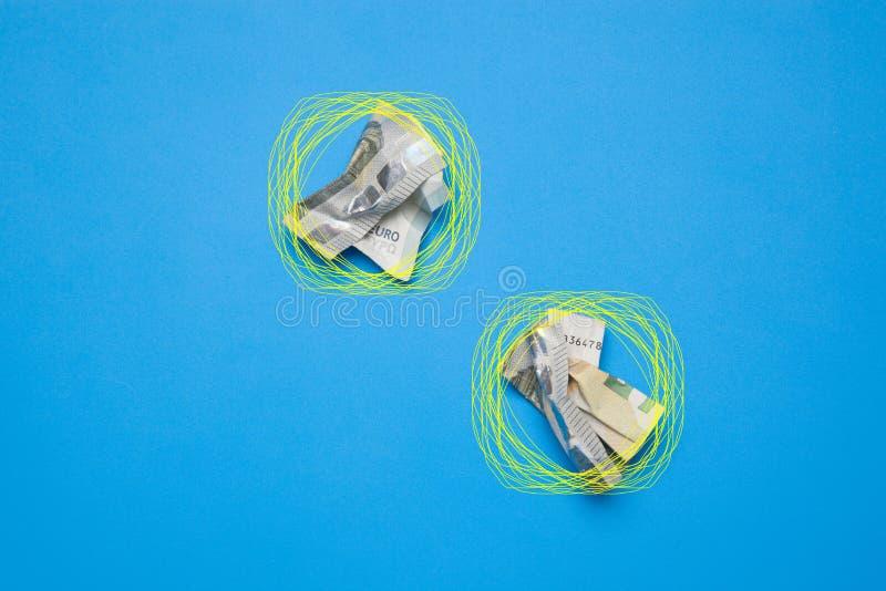 Dinero en billetes y monedas euro imagen de archivo libre de regalías
