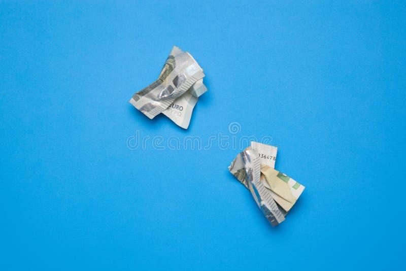 Dinero en billetes y monedas euro imágenes de archivo libres de regalías