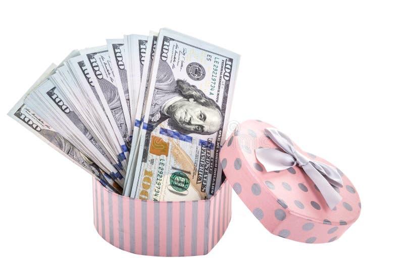 Dinero en caja de regalo fotos de archivo
