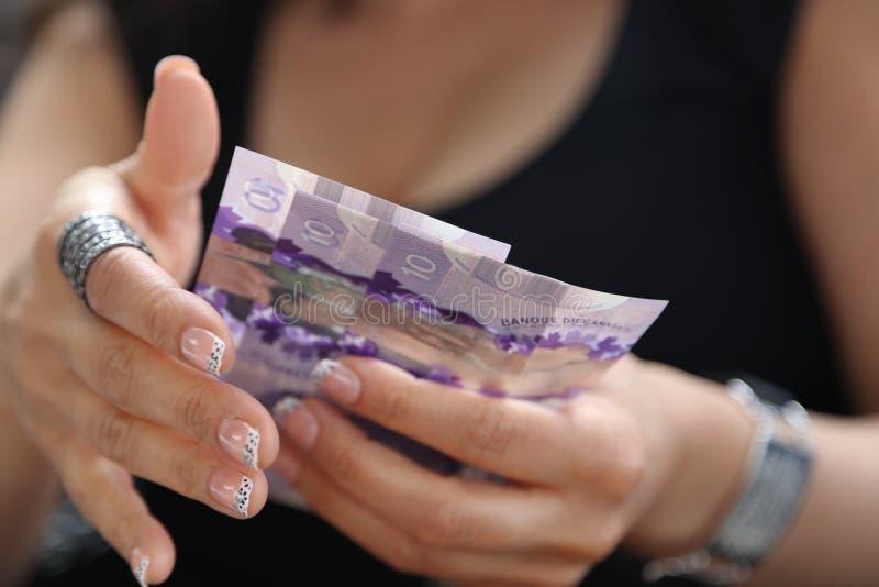 Dinero en circulación canadiense foto de archivo libre de regalías