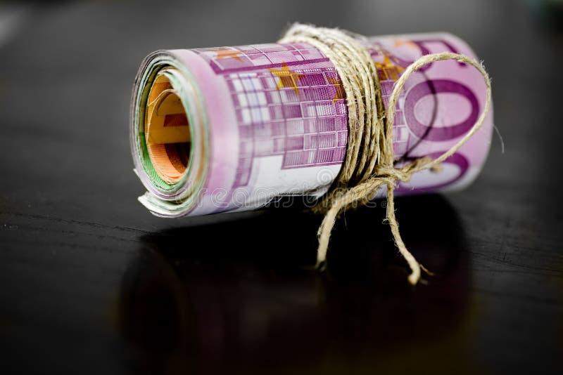 Dinero euro - billetes de banco fotos de archivo