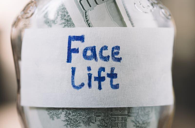 Dinero para la cirugía estética imágenes de archivo libres de regalías
