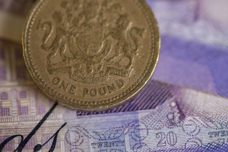 Dinero para las carteras £ 20 imagen de archivo