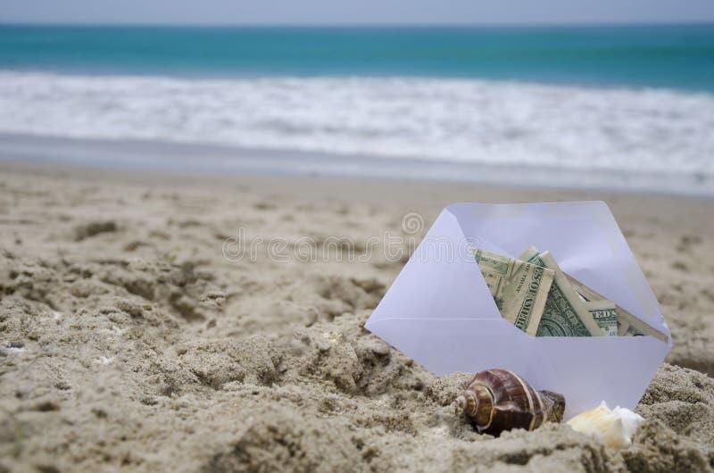 Dinero para las vacaciones foto de archivo libre de regalías