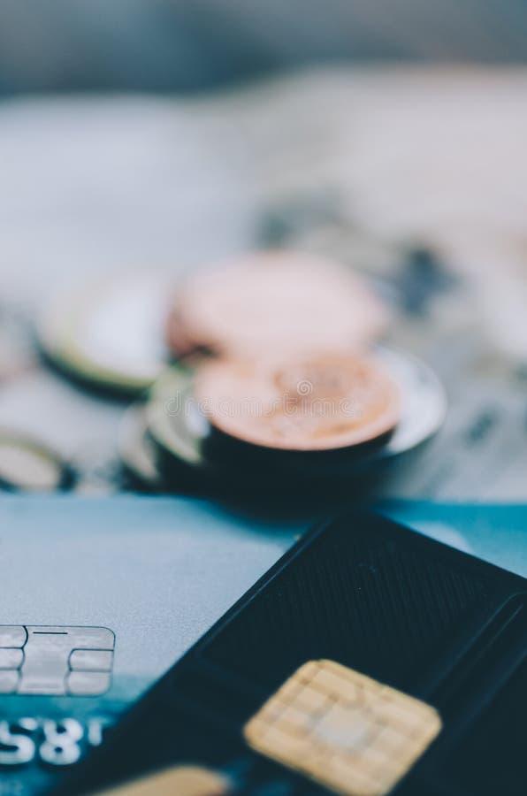 Dinero y tarjeta foto de archivo libre de regalías