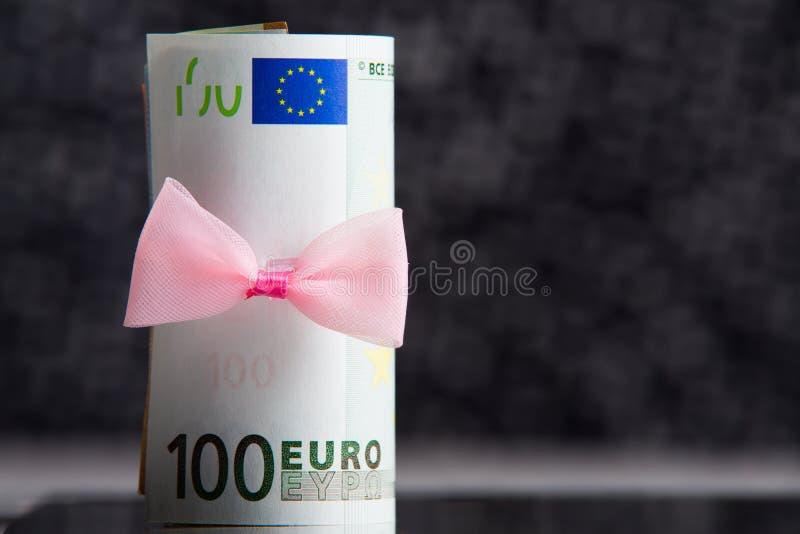 Dinheiro como um presente foto de stock royalty free
