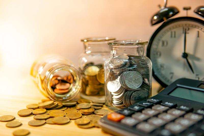 Dinheiro da economia C?lculo da contabilidade financeira foto de stock royalty free
