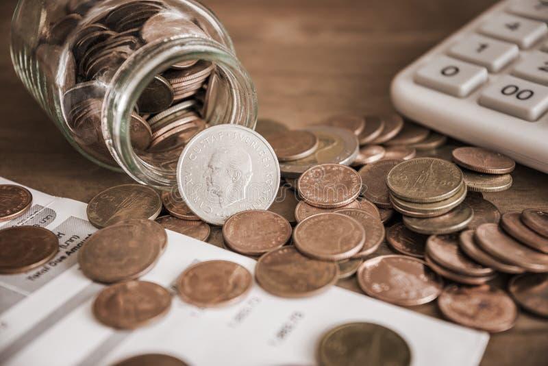 Dinheiro da economia e operação bancária da conta para o conceito do negócio da finança foto de stock royalty free
