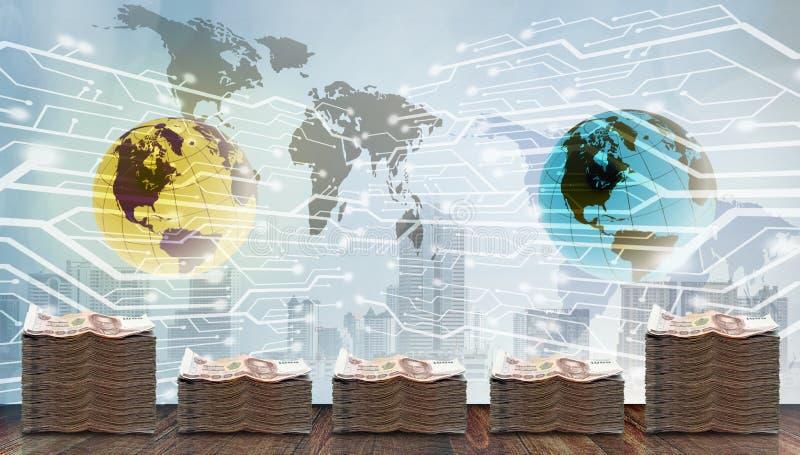 Dinheiro do dinheiro com mundo digital, conceito bancário futuro fotografia de stock