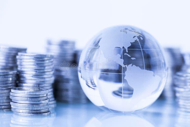 Dinheiro em torno do mundo foto de stock royalty free