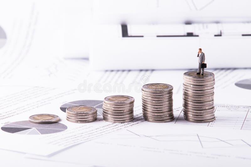 Dinheiro, financeiro, aposentadoria, conceito do crescimento do negócio, negócio foto de stock