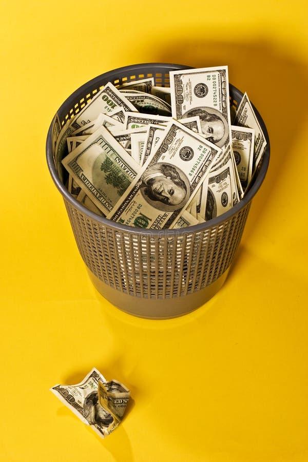 Dinheiro para fora jogado fotografia de stock royalty free