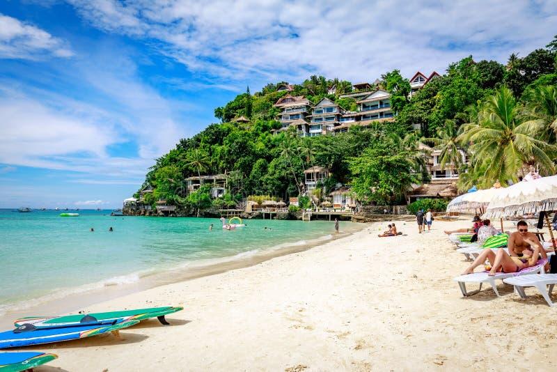 Diniwid strandsikt, vit-sand strand i den Boracay ön i det filippinskt arkivbild