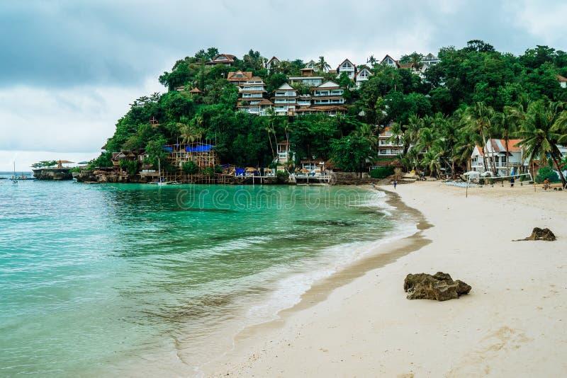 Diniwid wyrzucać na brzeg widok, piasek plaża w Boracay wyspie w Filipińczyk zdjęcie stock