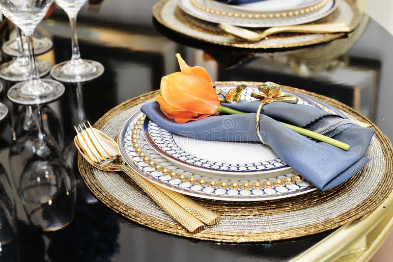 Dinnerware επιτραπέζιου σκεύους πολυτέλειας στοκ εικόνες