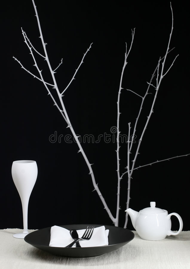 Download Dinning moderno immagine stock. Immagine di ceramic, cucina - 3883833